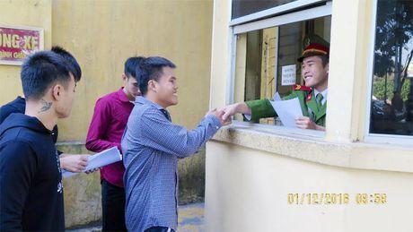 Trai giam Hai Phong cong bo quyet dinh dac xa - Anh 3