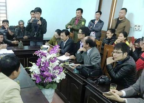 Ban giao vat la nghi an co cho Bao tang tinh Nghe An - Anh 1