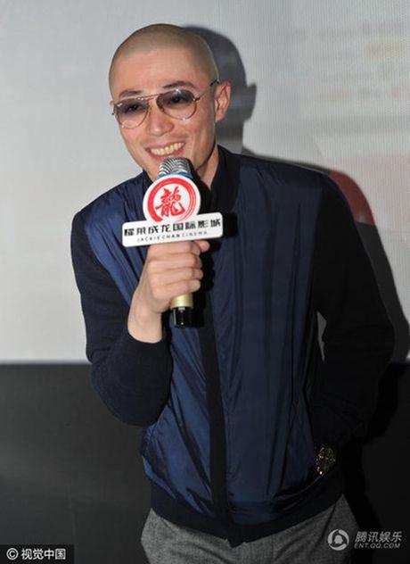 Tin giai tri ngay 1/12: Chu Dang Khoa di dien cung Ha Ho; Phan Anh muon tra tien - Anh 5