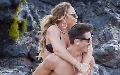 Mariah Carey quan quyt bo tre kem 13 tuoi tren bien - Anh 12