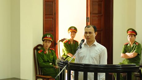 'Ky an cuop do tren song Ka Long': Bui Manh Giap duoc tai ngoai - Anh 1