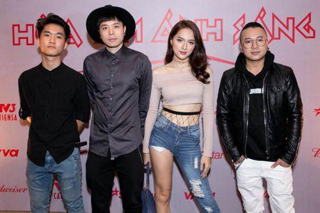 Huong Giang Idol di xe 4 ty den hop bao 'The Remix' - Anh 6