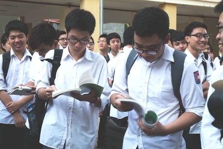 Can bo Bo GD-DT tham gia viet sach on thi phai kiem diem - Anh 1