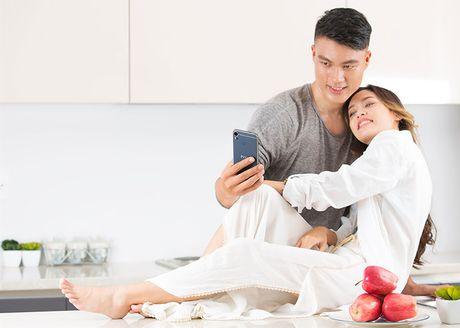 "Bo anh HTC Desire 10 Pro tren tay nguoi mau ""nam lun"" Fung La - Anh 5"