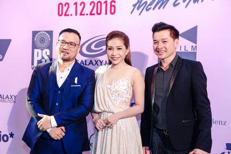 Huong Tram lan dau trinh bay hit 'Cho em gan anh them chut nua' - Anh 13