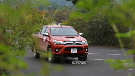 Toyota Hilux 2016 moi Offroad an tuong tai Dong Mo - Anh 14