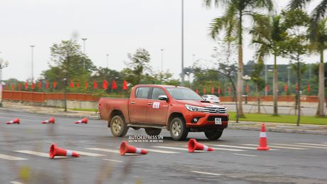 Toyota Hilux 2016 moi Offroad an tuong tai Dong Mo - Anh 15