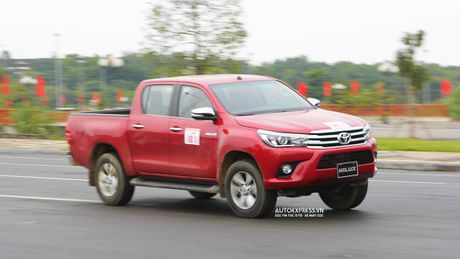 Toyota Hilux 2016 moi Offroad an tuong tai Dong Mo - Anh 17