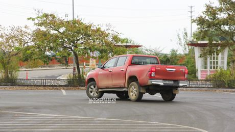 Toyota Hilux 2016 moi Offroad an tuong tai Dong Mo - Anh 18
