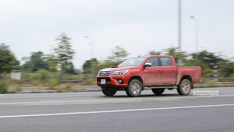 Toyota Hilux 2016 moi Offroad an tuong tai Dong Mo - Anh 20