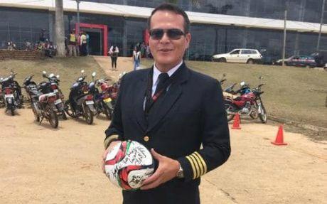 Phi cong may bay roi o Colombia tung mat bo vi tai nan hang khong - Anh 2