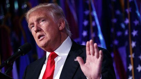 Ong Trump co quyen gui tin nhan toi toan nguoi dan My - Anh 1