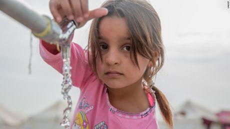 IS dung nuoc lam vu khi tran thu Mosul - Anh 1