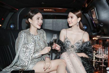 Le Ha dien trang phuc 300 trieu cua NTK Cong Tri, sanh doi cung Ngoc Duyen tai Victoria's Secret Show - Anh 6
