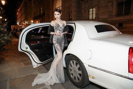 Le Ha dien trang phuc 300 trieu cua NTK Cong Tri, sanh doi cung Ngoc Duyen tai Victoria's Secret Show - Anh 8
