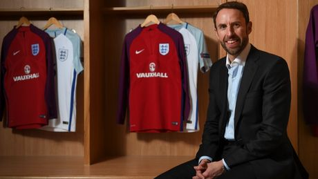 HLV Gareth Southgate chinh thuc la HLV truong DT Anh - Anh 2