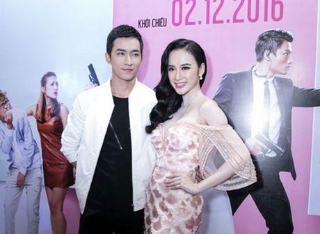 'Ban trai tin don' Vo Canh den mung Angela Phuong Trinh ra mat phim moi - Anh 1