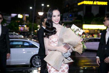 'Ban trai tin don' Vo Canh den mung Angela Phuong Trinh ra mat phim moi - Anh 2