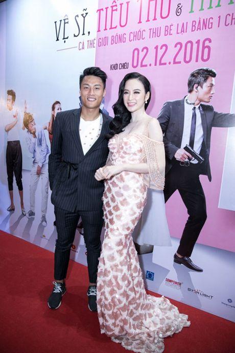 'Ban trai tin don' Vo Canh den mung Angela Phuong Trinh ra mat phim moi - Anh 5
