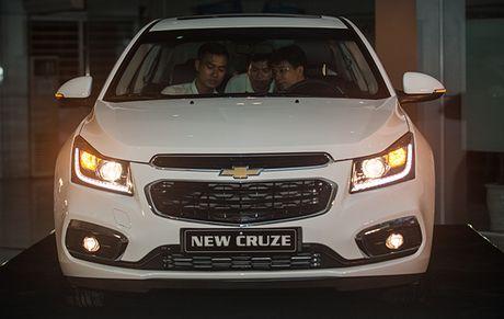 Chi tiet Chevrolet Cruze phien ban moi ra mat khach hang Viet - Anh 2
