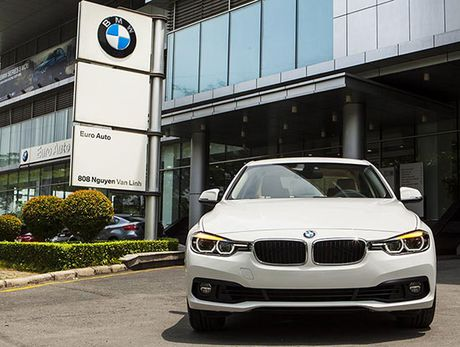 Vu gian lan nhap khau xe BMW: Euro Auto bat dau phan phao - Anh 1