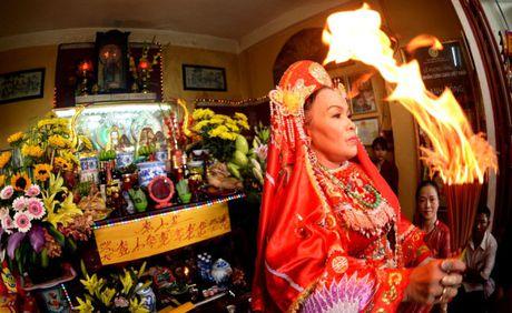 UNESCO vinh danh hinh tuong Thanh mau cua Viet Nam - Anh 1