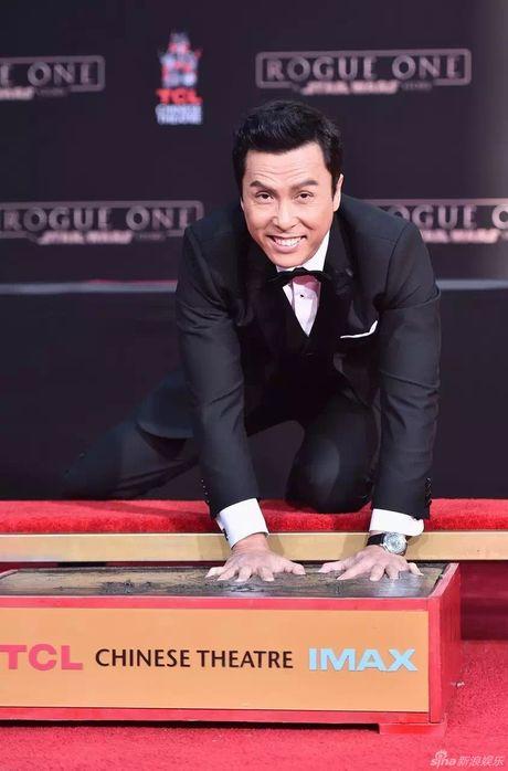 Chan Tu Dan in dau tay o Hollywood - Anh 1