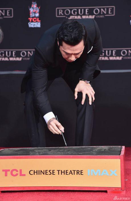 Chan Tu Dan in dau tay o Hollywood - Anh 3