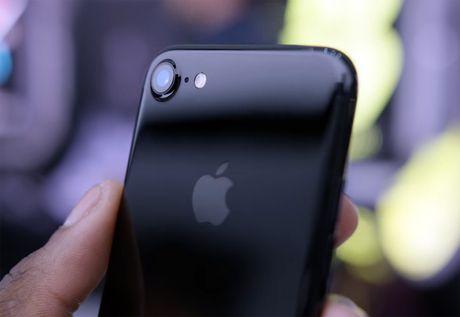 Pin iPhone 7 se kem di sau mot nam - Anh 1