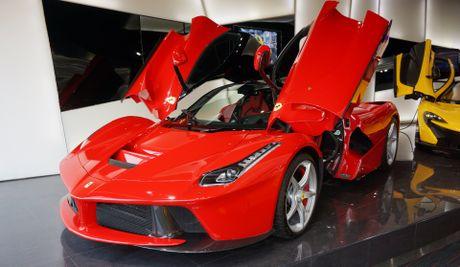 Ferrari ban dau gia LaFerrari cuoi cung - Anh 1