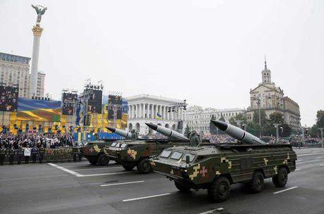 Ukraina thu ten lua gan Crum, choc gian Nga - Anh 1
