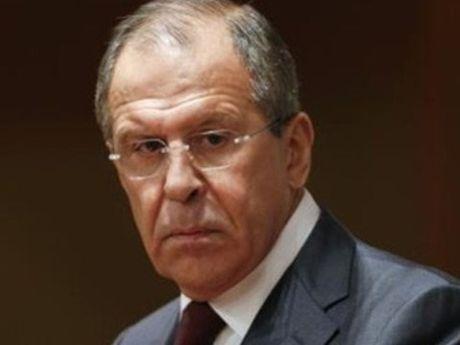 Ngoai truong Nga Lavrov: 'NATO dang do them dau vao lua' - Anh 1