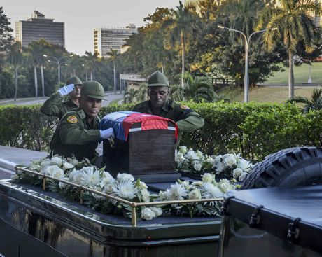 Tro cot cua lanh tu Fidel Castro bat dau hanh trinh vuot 800km tro ve 'cai noi' cach mang Cuba - Anh 2