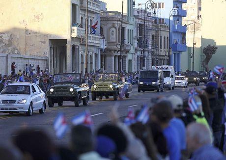 Tro cot cua lanh tu Fidel Castro bat dau hanh trinh vuot 800km tro ve 'cai noi' cach mang Cuba - Anh 4