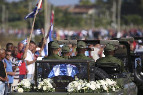 Tro cot cua lanh tu Fidel Castro bat dau hanh trinh vuot 800km tro ve 'cai noi' cach mang Cuba - Anh 6