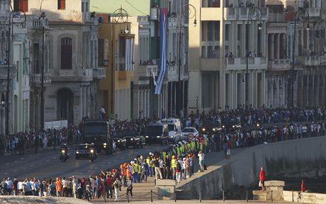 Tro cot cua lanh tu Fidel Castro bat dau hanh trinh vuot 800km tro ve 'cai noi' cach mang Cuba - Anh 7