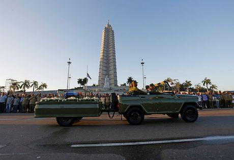Tro cot cua lanh tu Fidel Castro bat dau hanh trinh vuot 800km tro ve 'cai noi' cach mang Cuba - Anh 8