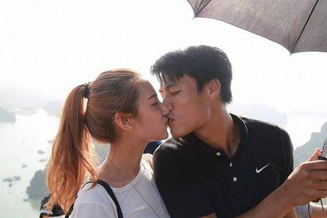 Ky Han khon kheo cu xu khi Mac Hong Quan lo anh om hon tinh cu - Anh 1