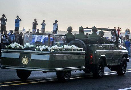 Duong pho o Cuba vang lang trong nhung ngay quoc tang Lanh tu Fidel - Anh 3