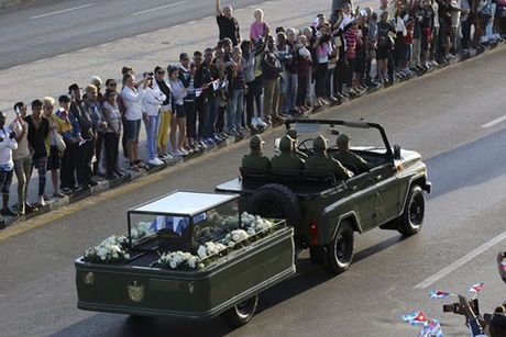 Hanh trinh dua di cot lanh tu Cuba Fidel Castro ve noi an nghi - Anh 10
