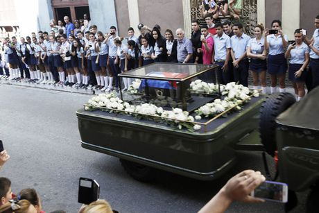 Hanh trinh dua di cot lanh tu Cuba Fidel Castro ve noi an nghi - Anh 11