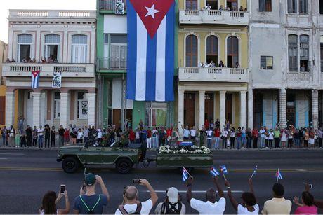 Hanh trinh dua di cot lanh tu Cuba Fidel Castro ve noi an nghi - Anh 7