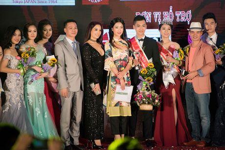 Hoa hau My Linh diu dang di cham thi nhan sac - Anh 7