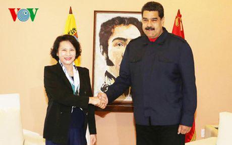 Chu tich Quoc hoi Nguyen Thi Kim Ngan hoi kien Tong thong Venezuela - Anh 1