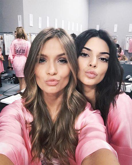 Dot nhap hau truong cua show dien Victoria's Secret 2016 - Anh 8