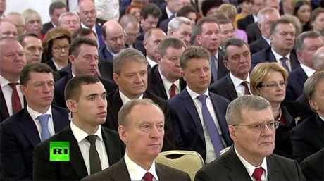 Thong diep Lien bang cua ong Putin de cap den nhieu van de toan cau - Anh 9