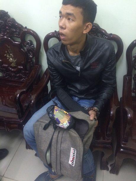 Lang Son khoi to doi tuong van chuyen 100 trieu dong tien gia - Anh 1