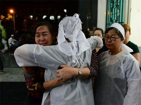 Sao Viet oa khoc nuc no tai le vieng NSUT Quang Ly - Anh 7