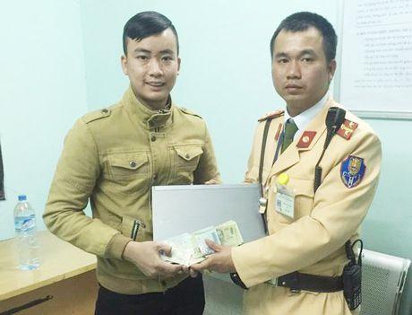 Chang SV may man tim lai laptop, 5 trieu dong nho CSGT - Anh 1