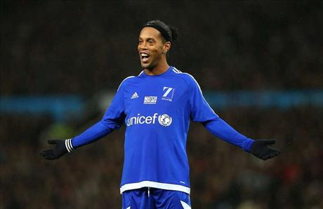 Ronaldinho tuyen bo san sang thi dau mien phi cho Chapecoense - Anh 1